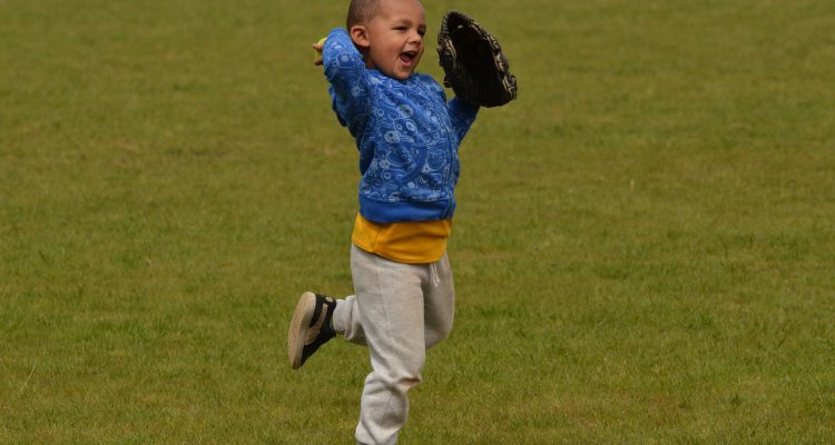 Tips And Drills For Teaching Kids To Catch A Baseball
