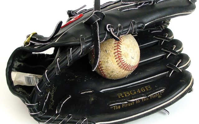 best baseball gloves for kids